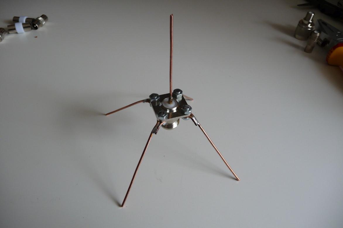 dvb t2 antenne selber bauen dvb t antenne eigenbau diy. Black Bedroom Furniture Sets. Home Design Ideas